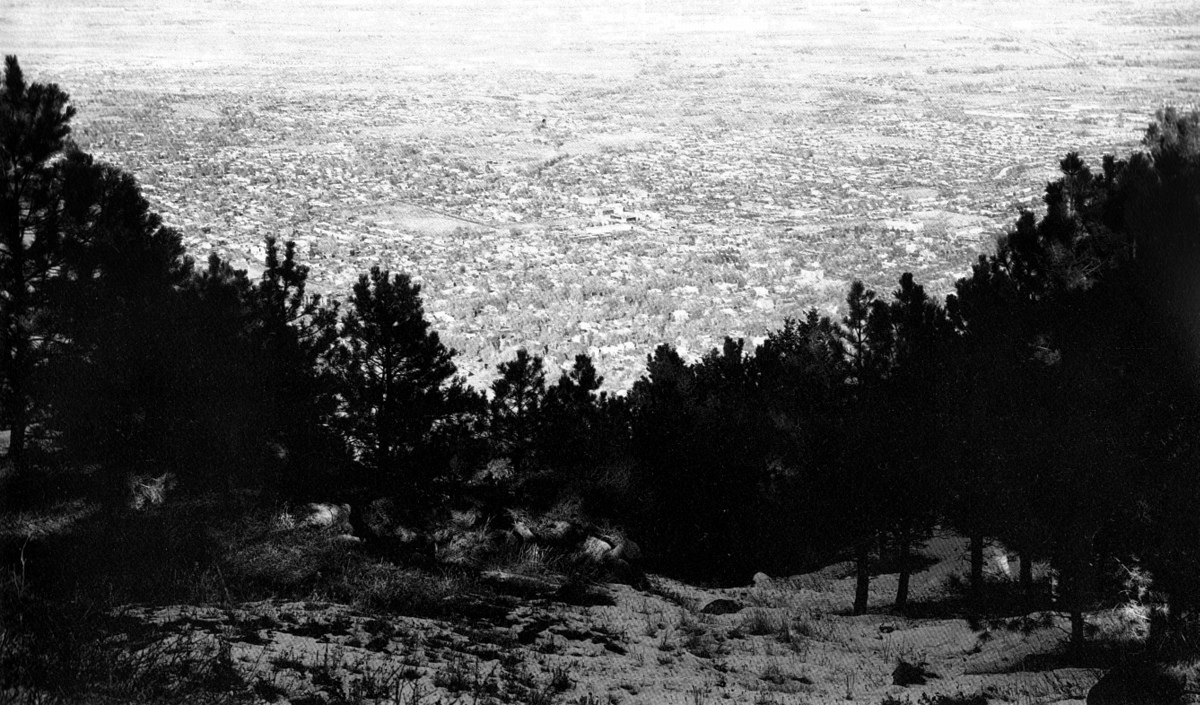 afuk fotoabeceda Robert Adams East from Flagstaff Mountain